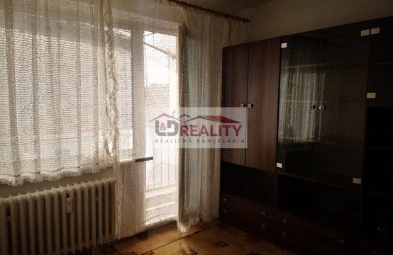 !!! ZNÍŽENÁ CENA !!! Na predaj 3 izbový byt v centre Detvy s balkónom