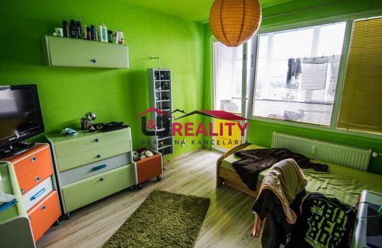 Exkluzívne na predaj 4 izbový byt v centre Detvy